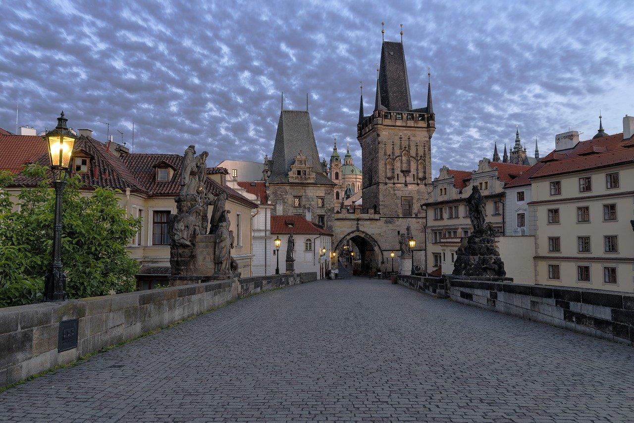 Prague 2387520 1280(1)