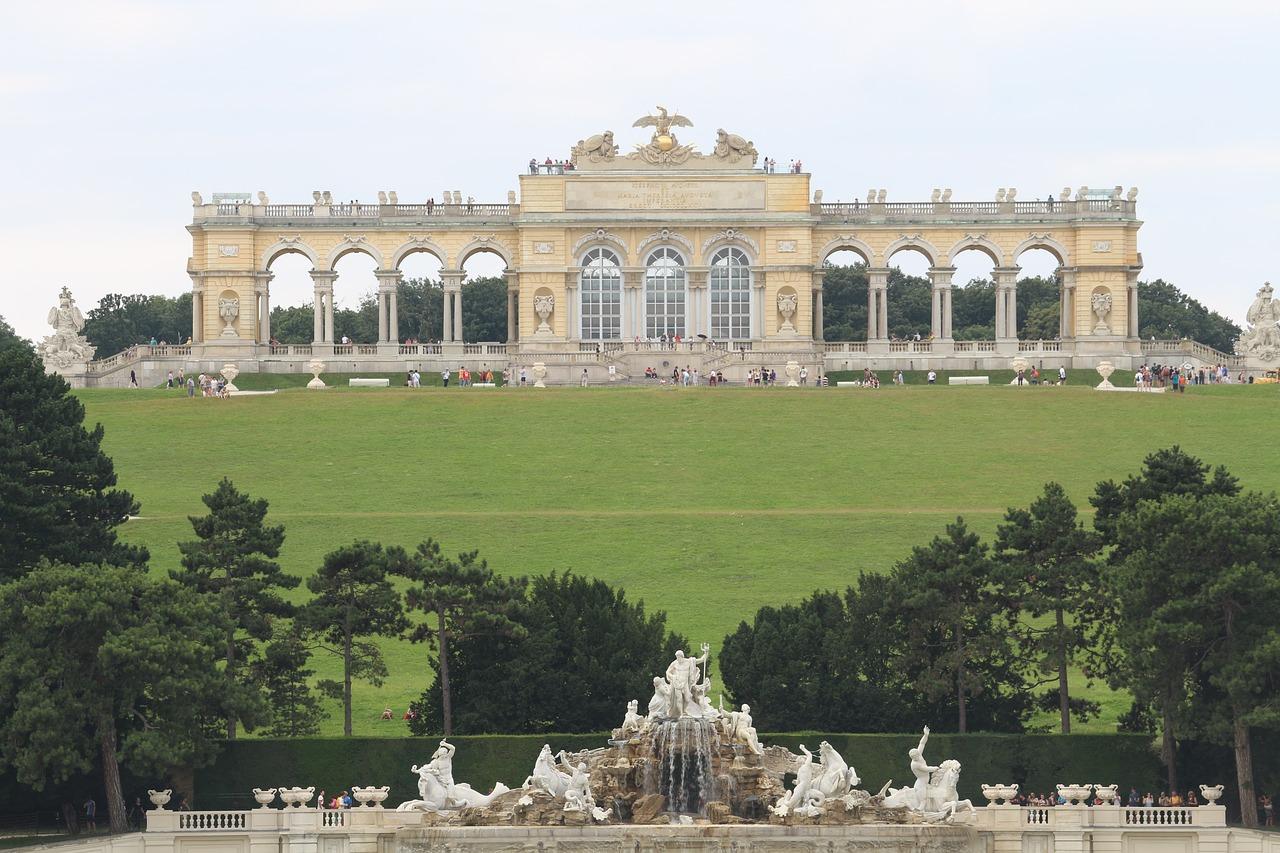 Schonbrunn Palace 1587239 1280